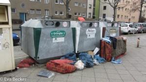 Berliner Stillleben mit  zwei Kaffeebechern