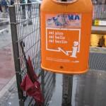 Regenschirm am Bhf Zoo